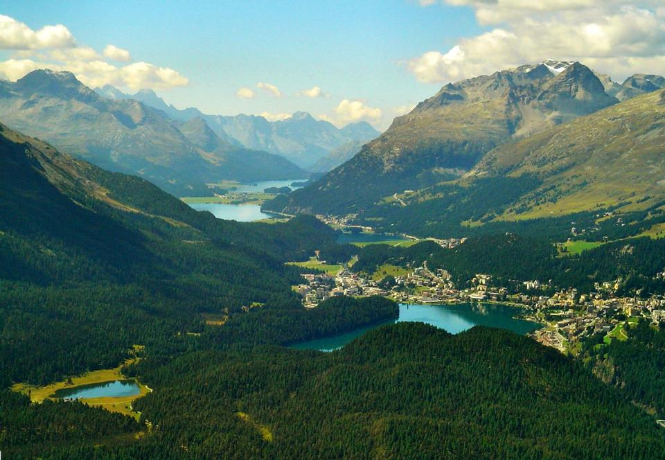 Free Engadine valley from the Muottas Muragl area