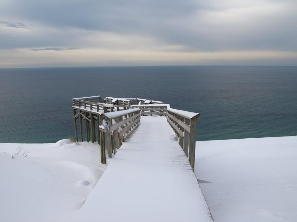 Free Lake Michigan Overlook Platform in Winter
