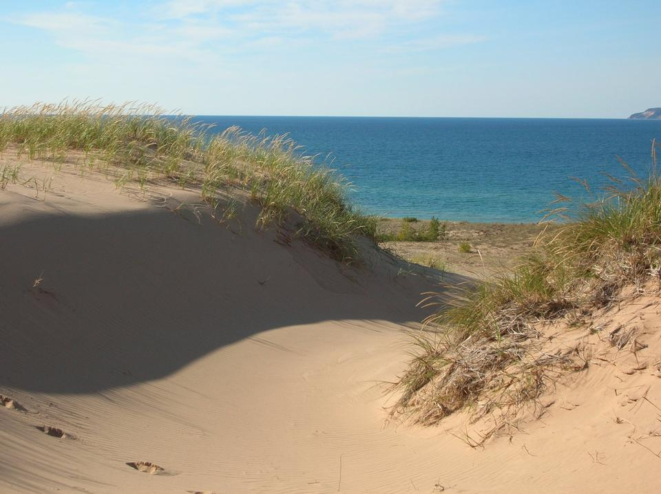 Free Lake Michigan over the dunes at Sleeping Bear Point Trail