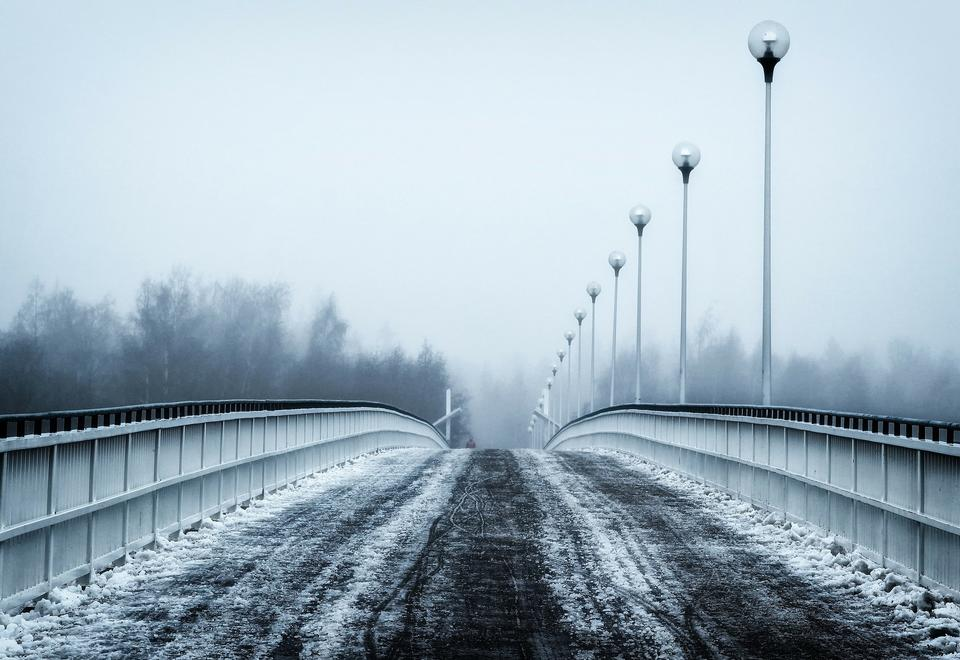 Free Photos: Bridge city landscape in foggy snowy winter day | publicdomain