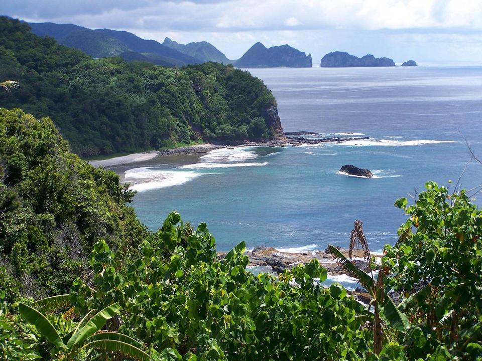 Free Tutuila, Pola Islands