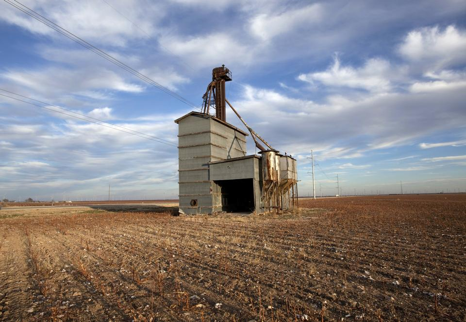 Free White grain elevator in Texas