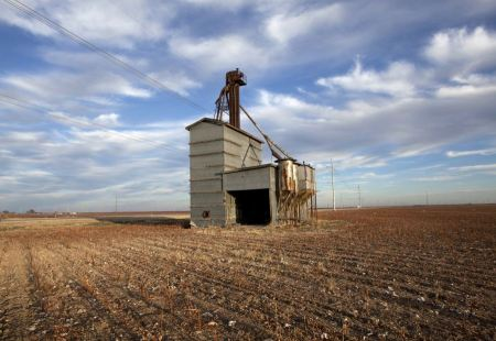 Free White grain elevator in Texas