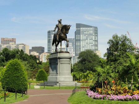Free Boston Public Garden. George Washington Statue