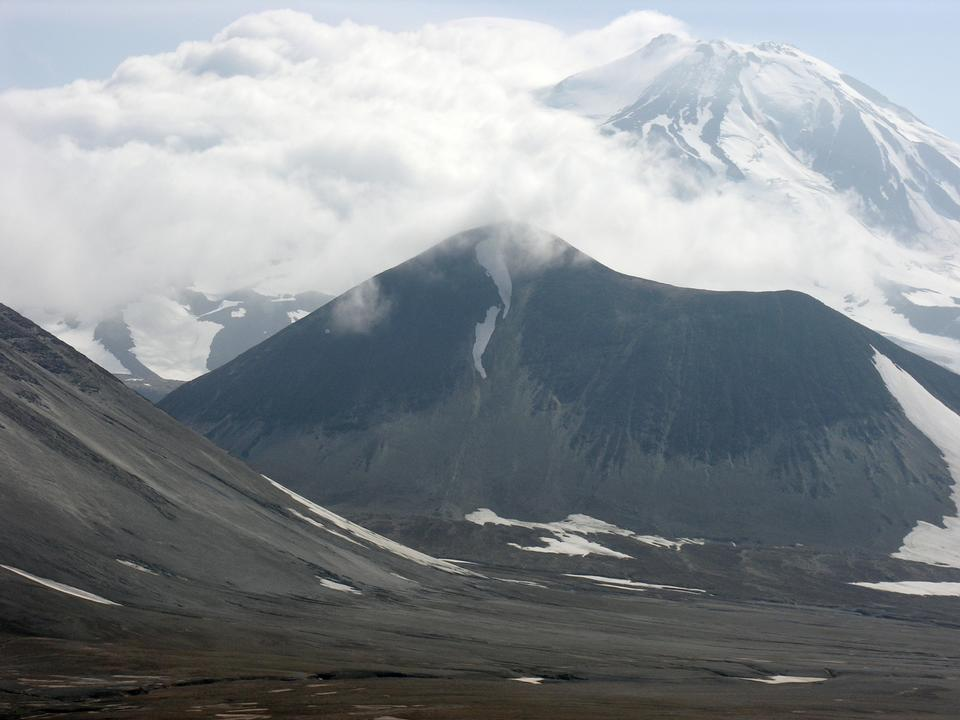 Free Katmai Pass and Mageik Volcano