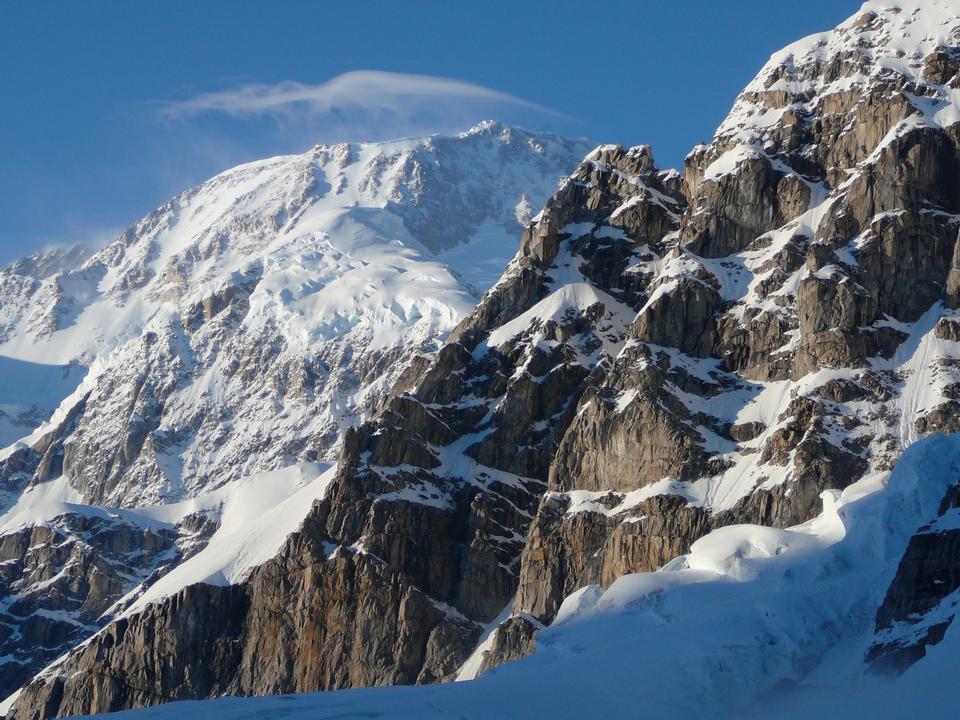 Free Lenticular cap over Mt. McKinley