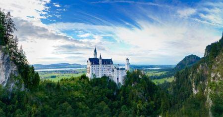 Free Castle Neuschwanstein in Germany