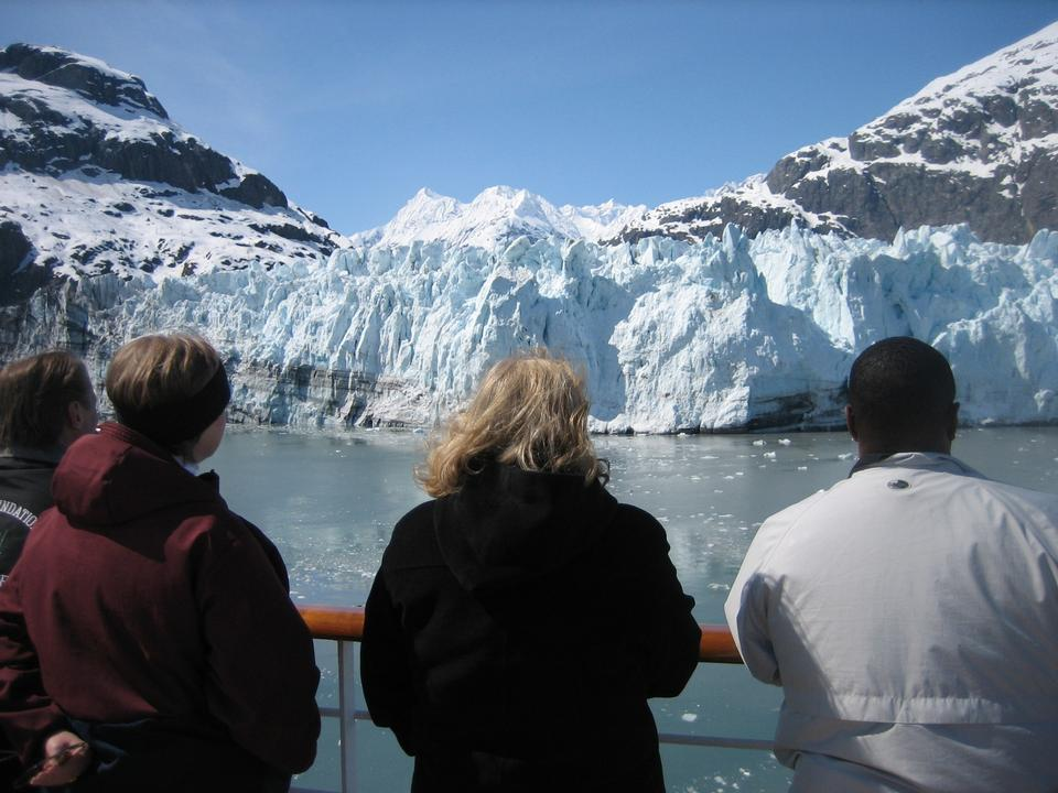 Free Cruise ships in Glacier Bay Alaska