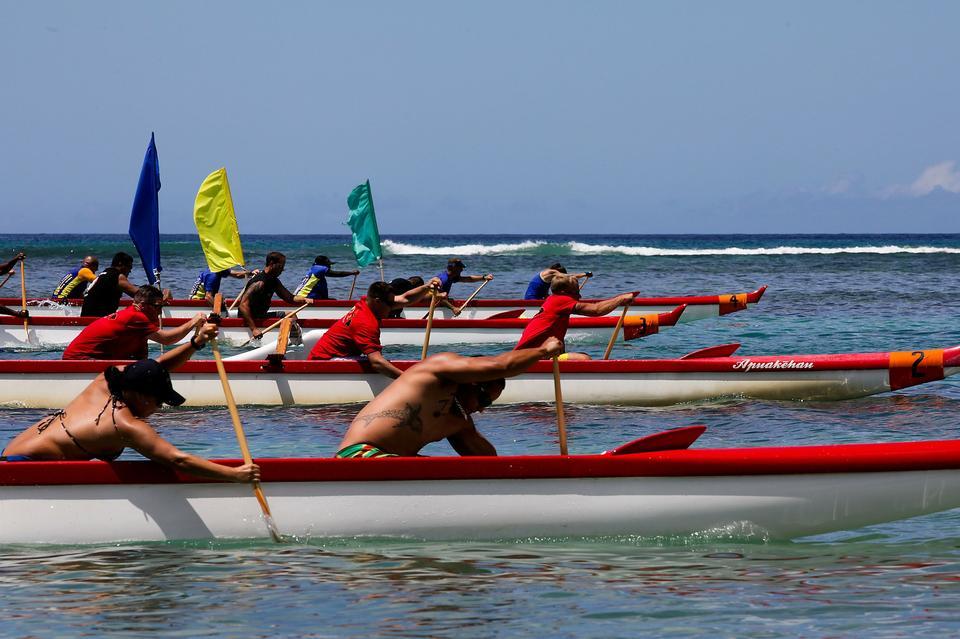 Free Boat race in Honolulu Hawaii