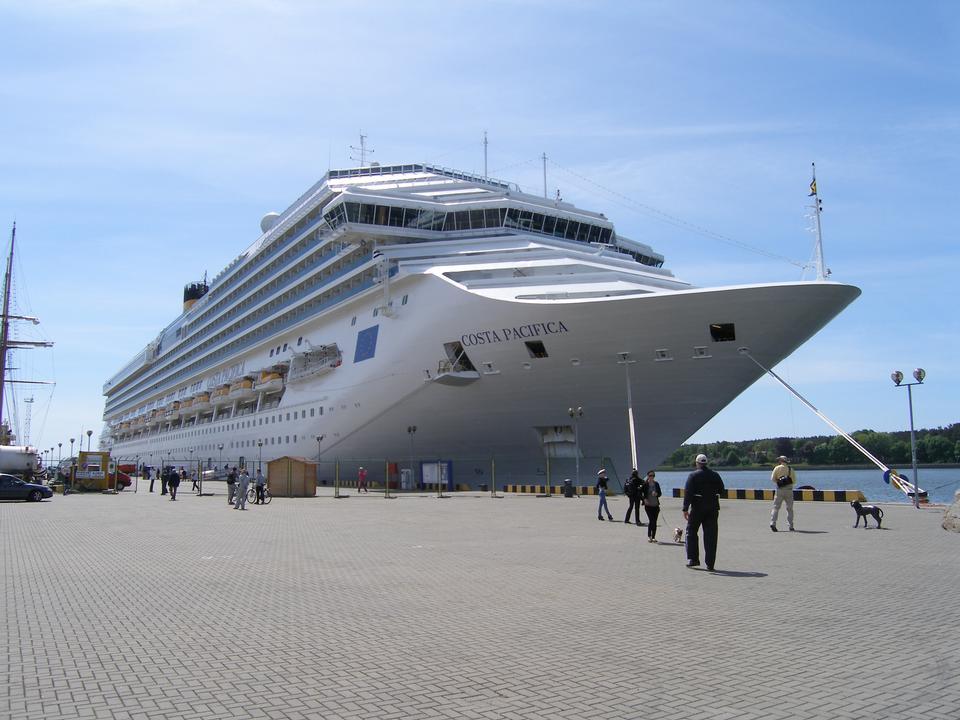 Free Costa Pacifica Cruise ship