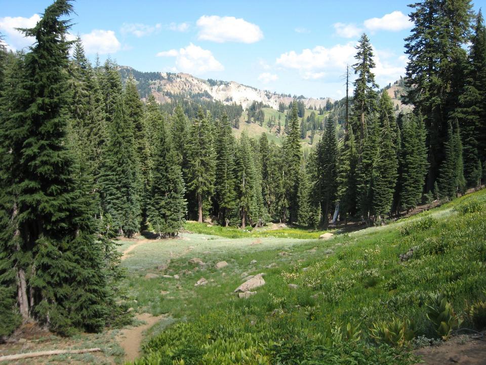 Free Ridge Lakes Trail Lassen Volcanic National Park