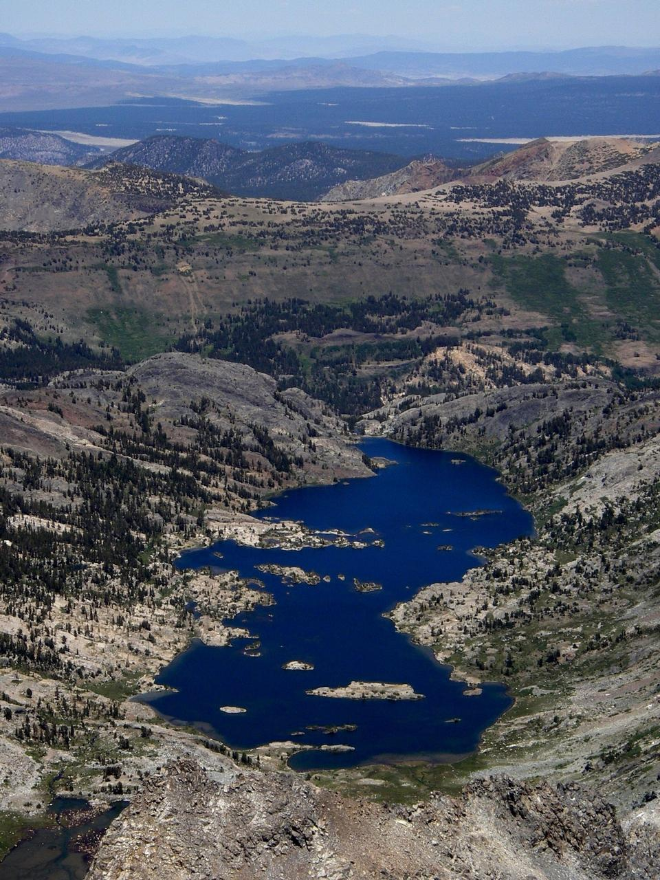 Free Alpine Lake in Ritter Range