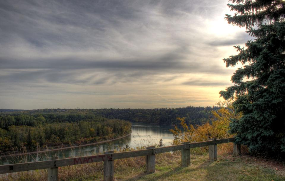 Free North Saskatchewan River valley