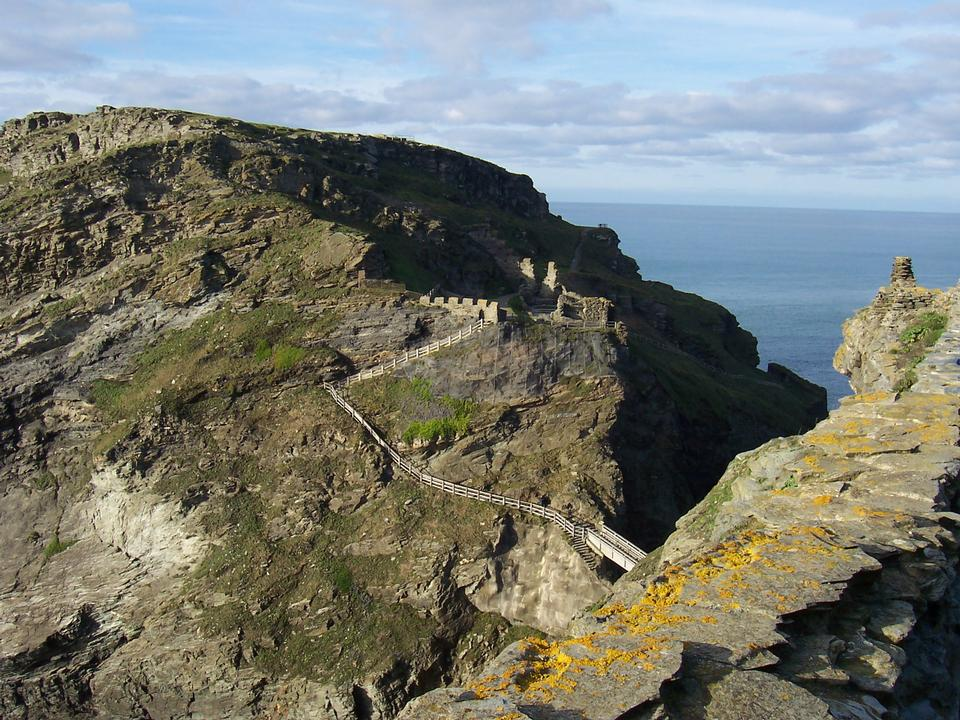 Free Remains of the island courtyard of Tintagel Castle