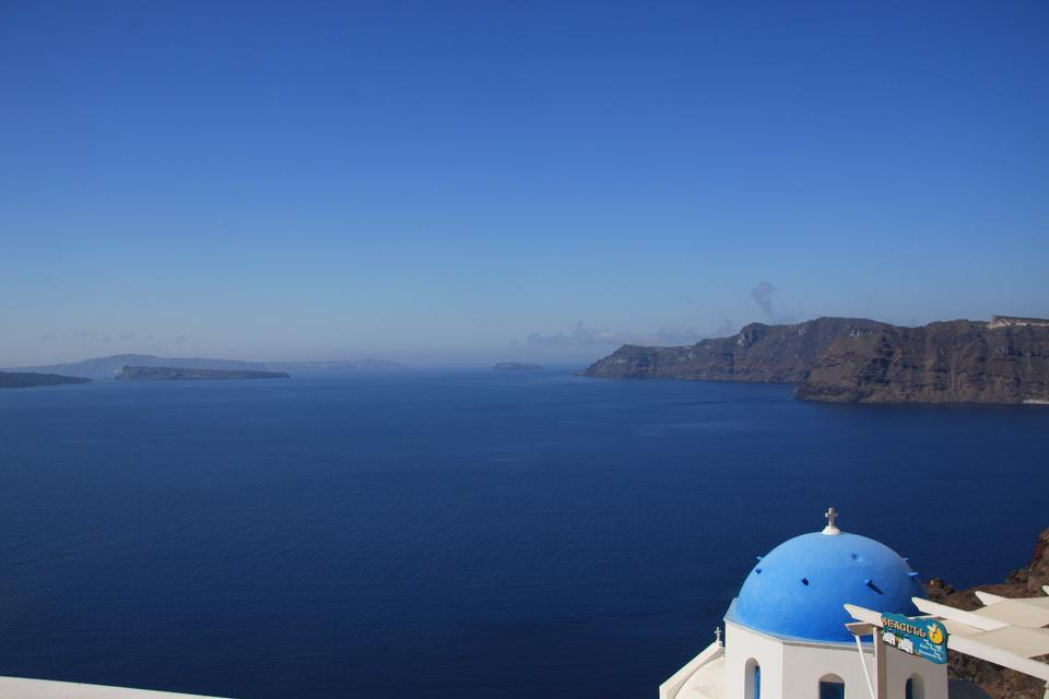 Free Gorgeous Santorini scene in the late afternoon