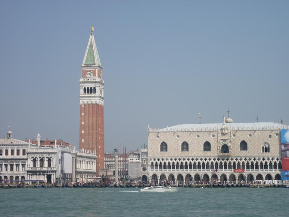 Free Canal Grande and Basilica di Santa Maria della Salute, Venice
