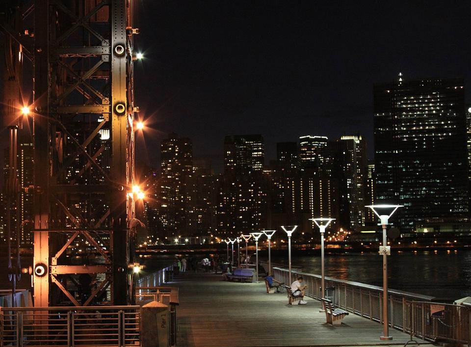 Free New York skyline by night