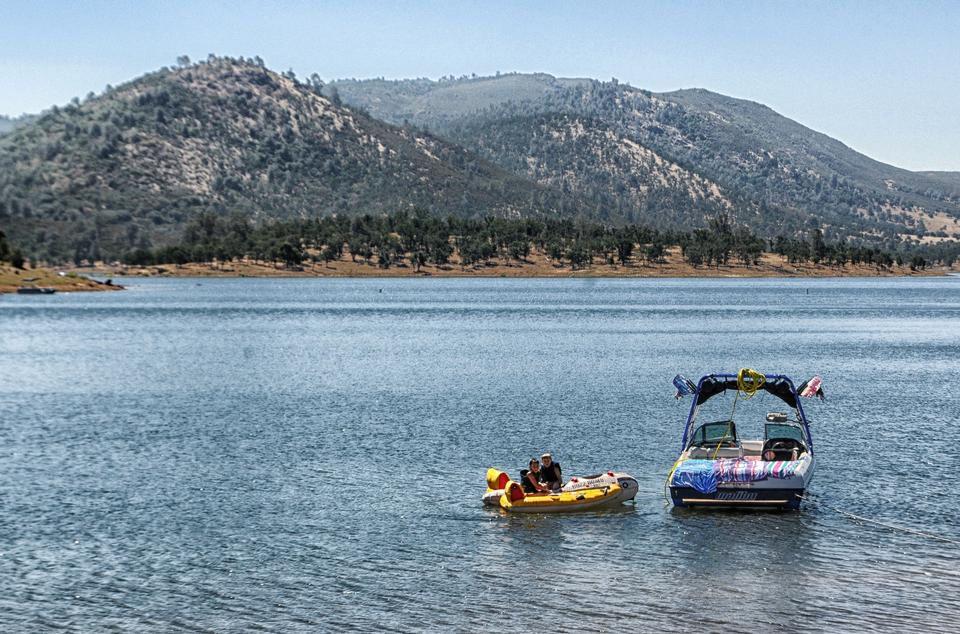 Free New Hogan Lake of Sierra Nevada California