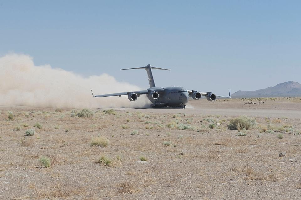 Free A C-17 Globemaster III taxies in at the Nevada