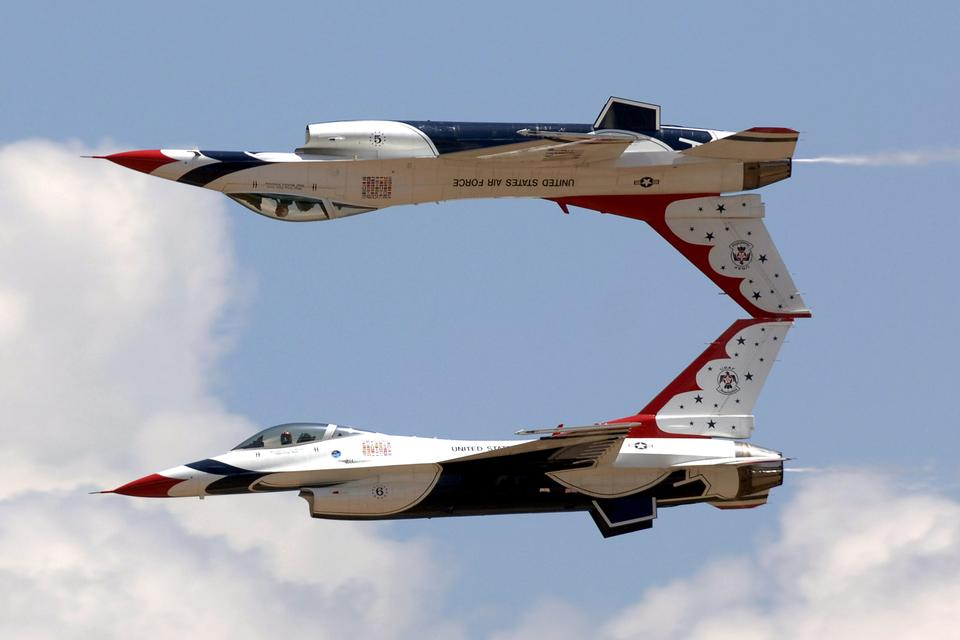 Free The U.S. Air Force Thunderbirds perform an airshow