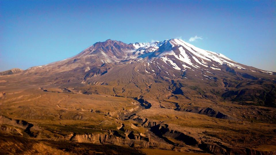 Free Winter Landscape of Mount St Helens