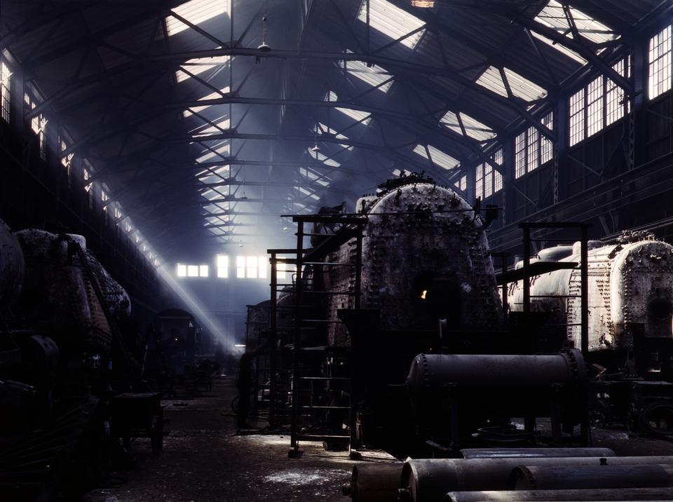 Free Santa Fe R.R. locomotive shops, Topeka, Kansas