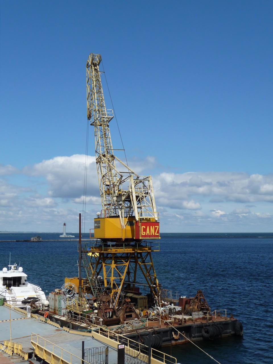 Free Floating port crane in Odessa