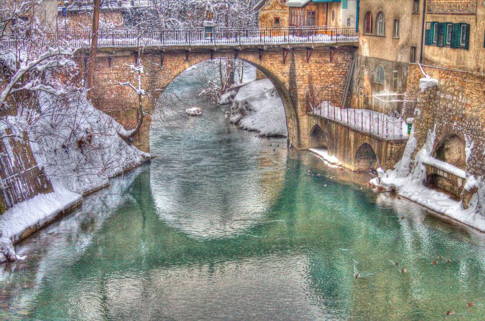 Free Snow and the bridges