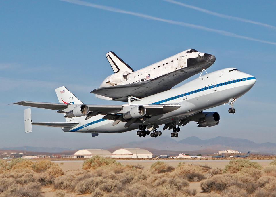 Free 747 Shuttle Carrier Aircraft, carrying space shuttle