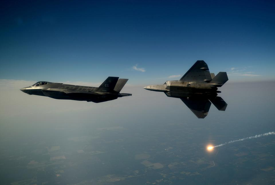 Free An F-35A Lightning II joint strike fighter