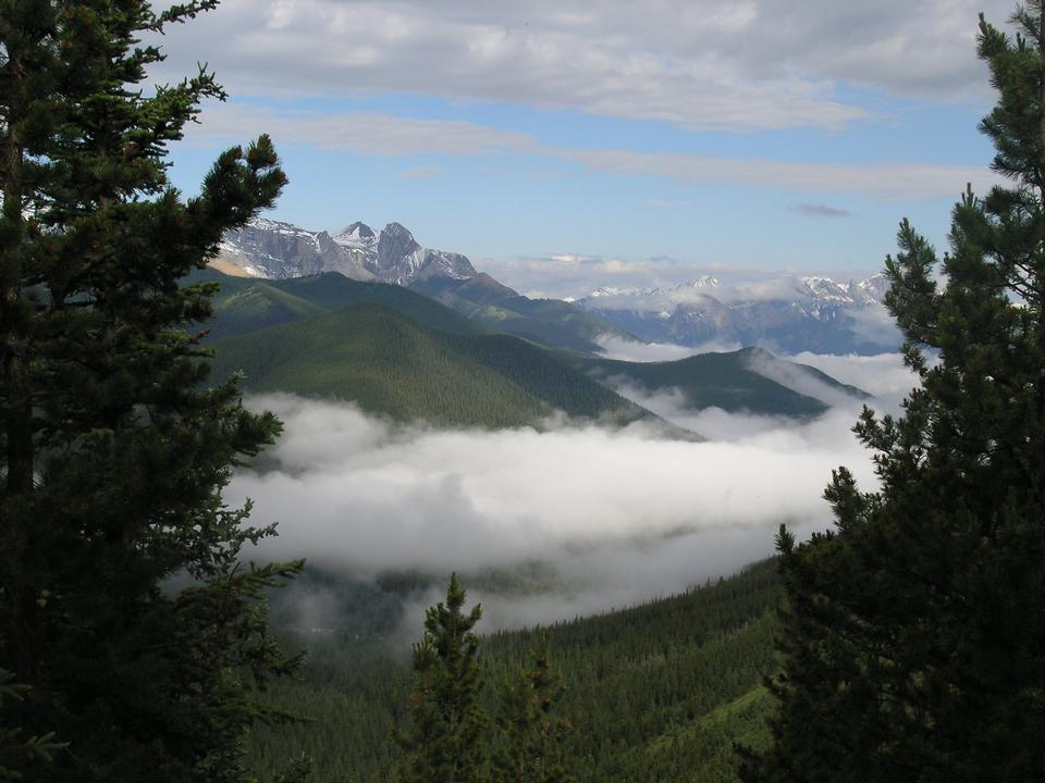 Free Canadian Rockies Mountain Hiking