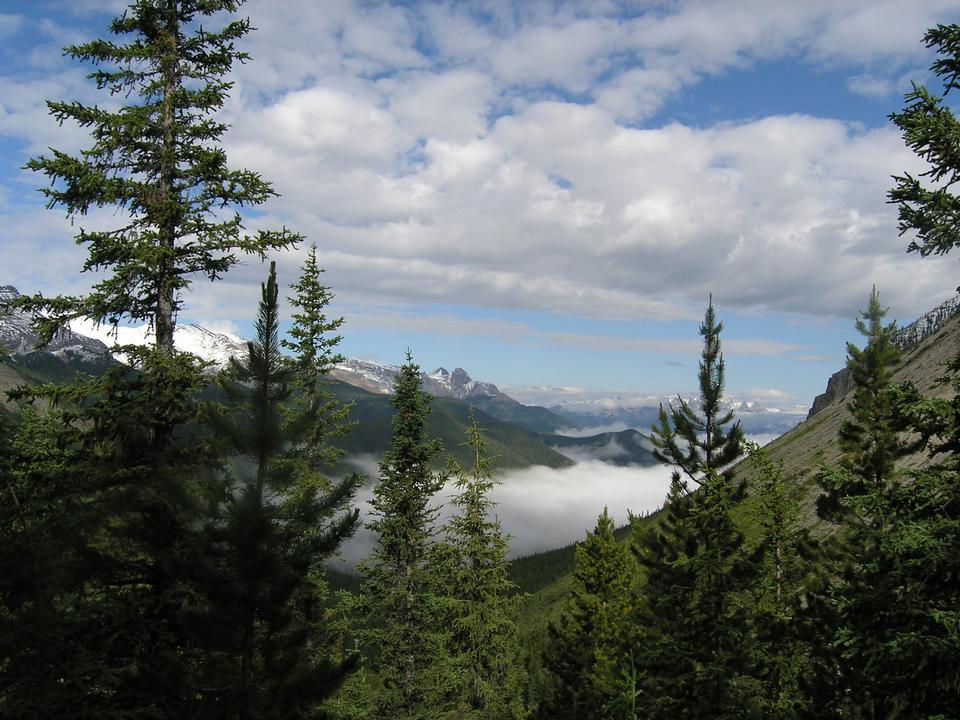 Free Canadian Rockies Mountain Hiking