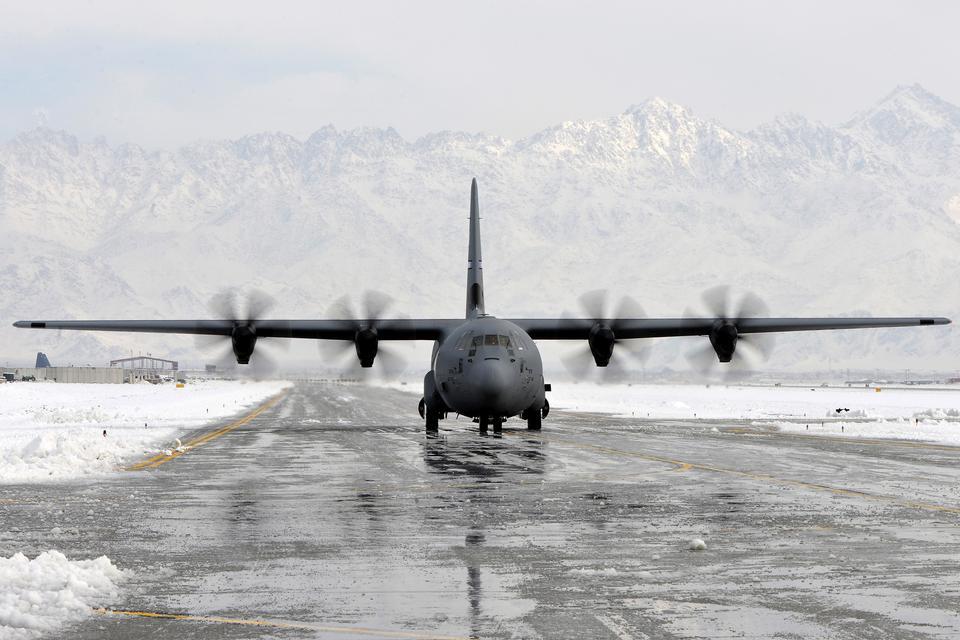 Free C-130 Hercules  Through the slush