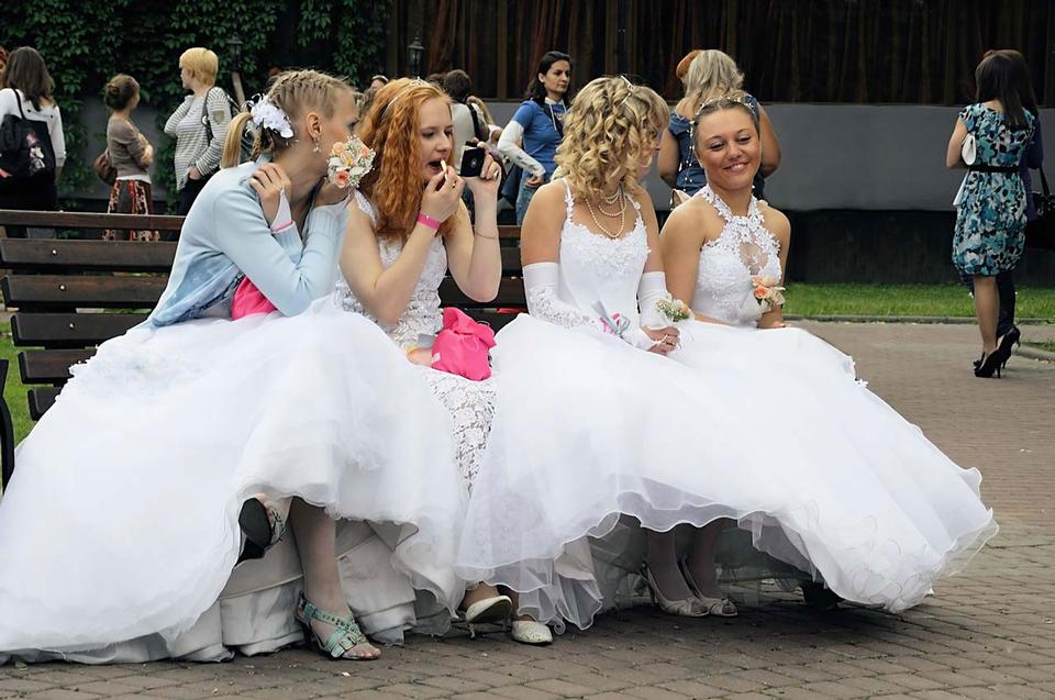 Free Brides sitting on a bench