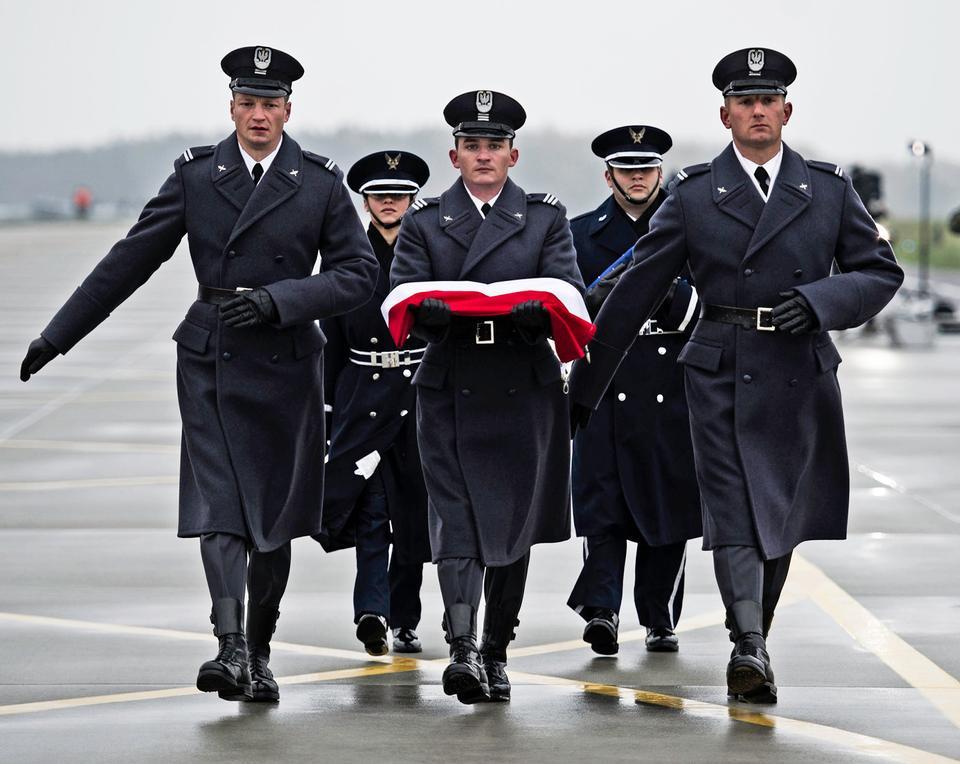 Free Polish and U.S. Air Force honor guard