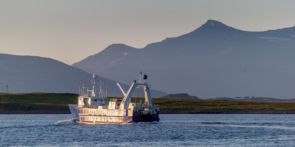 Free Trawler underway at Ocean Iceland