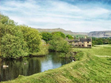Free Saddleworth Stream Water England