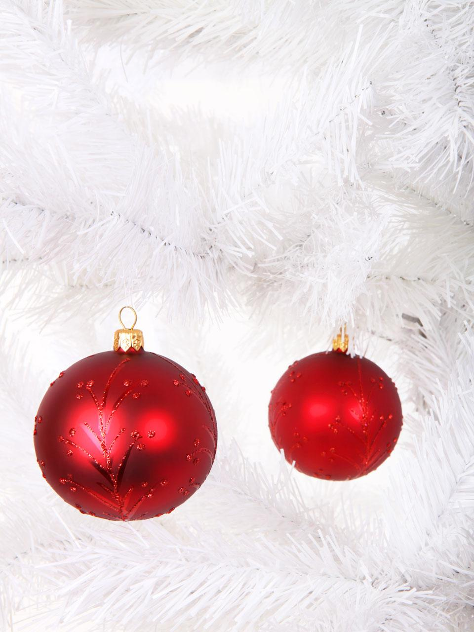 Free Red christmas baubles