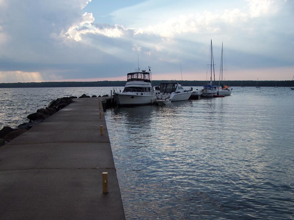 Free Boats at Stockton Island Dock