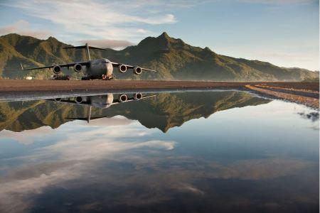 Free C-17 Globemaster III Reflections in water