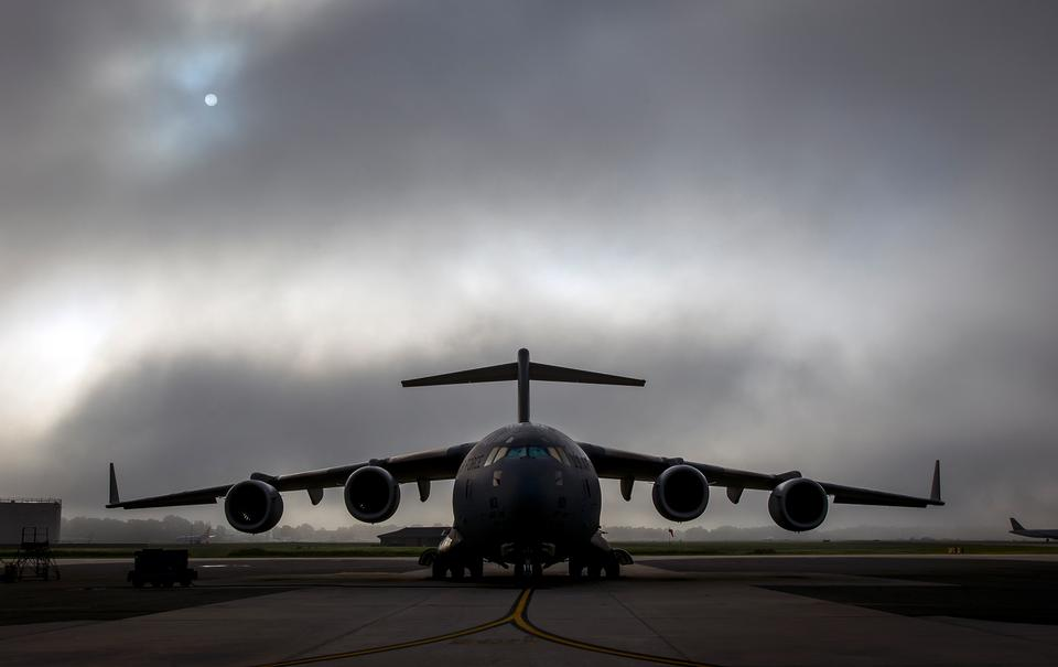 Free C-17 Globemaster III Foggy morning