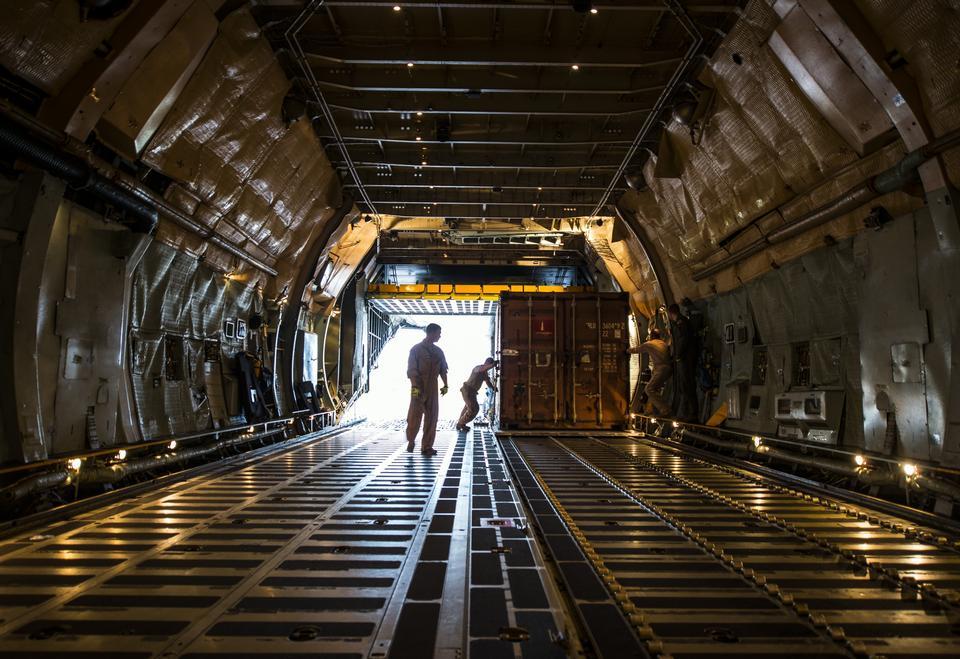 Free C-5 Galaxy loads cargo