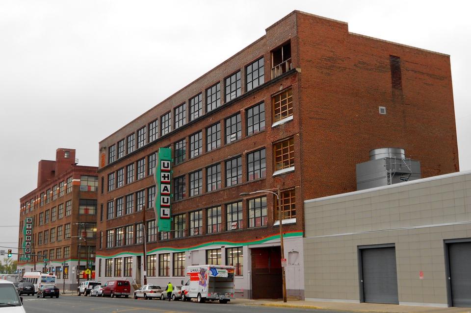 Free Building in Washington Avenue Philadelphia, PA