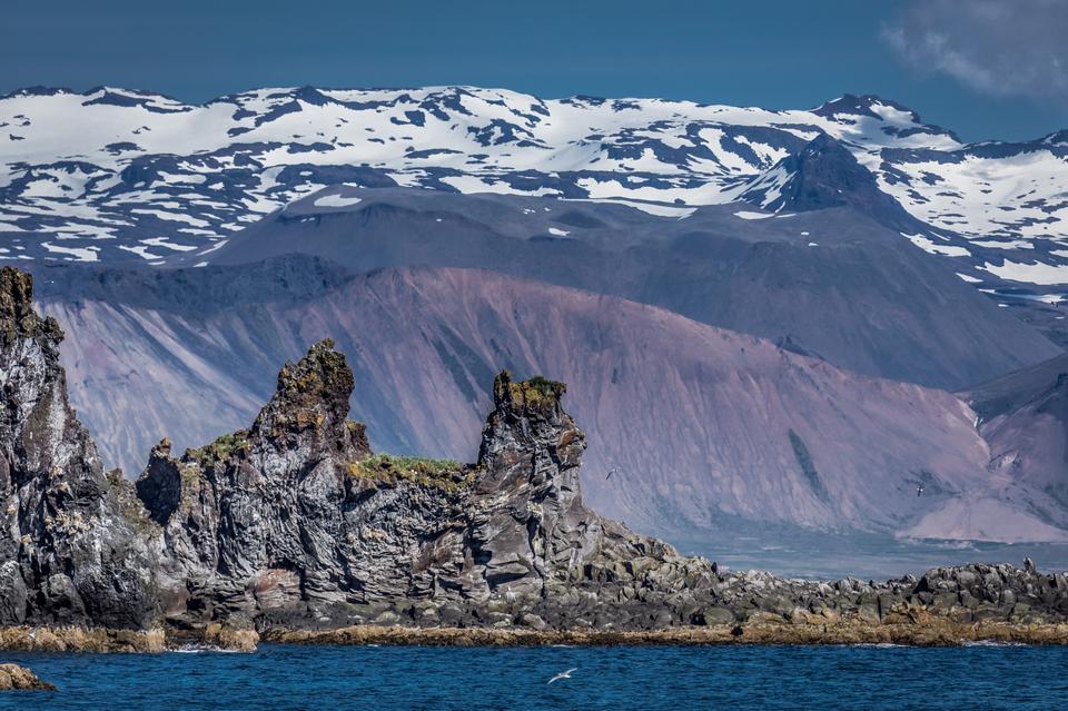 Free Icebergs at Jokulsarlon. Iceland