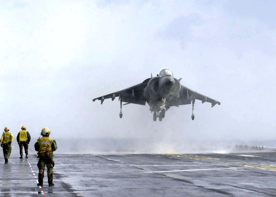 Free An AV-8B  Harrier returns