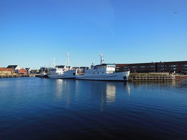 Free port water blue sky ships boats dock harbor blue