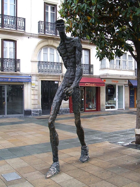 Free vitoria spain statue sculpture artistic man