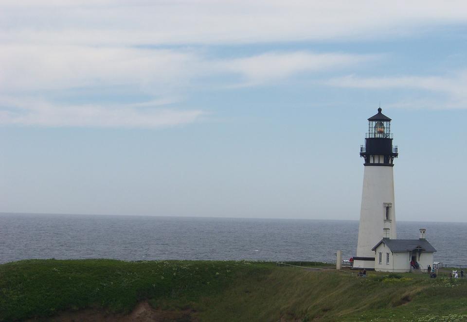 Free Lighthouse Yaquina Bay Oregon