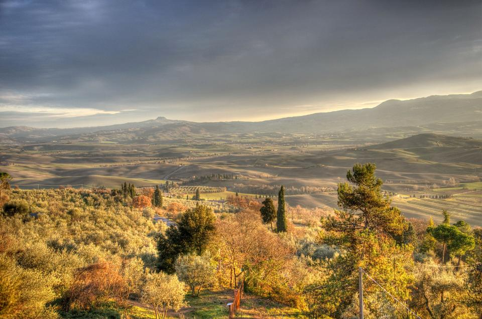 Free landscape Vally of Tuscan