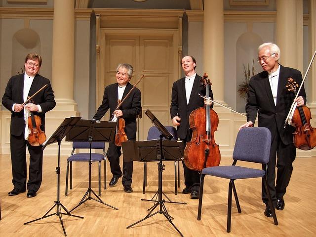 Free quartet tokyo stage strings musicians men bowing